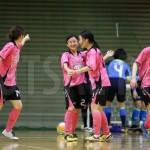 関東女子オールスターが関東Fクラブ女子選抜に勝利。女子フットサルの魅力を伝えた。